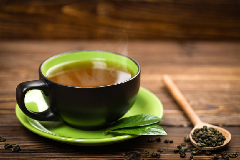 Herbata to jeden z najpopularniejszych napojów na świecie /123RF/PICSEL