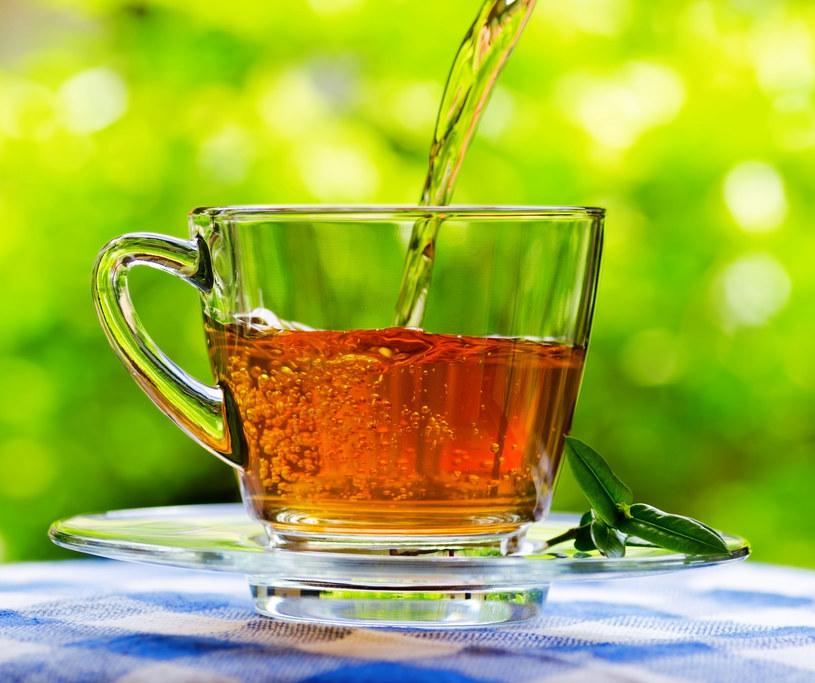Herbata w ogrodzie - rośliny także ją lubią /123RF/PICSEL
