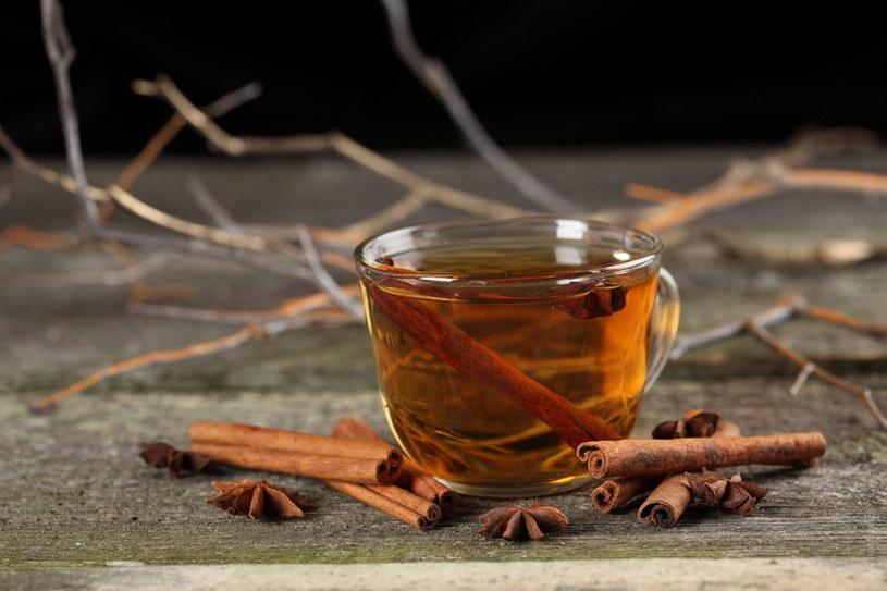 herbata z cynamonu na pamięć /© Photogenica