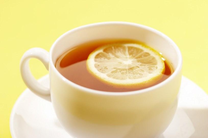 herbata z cytryną /© Photogenica