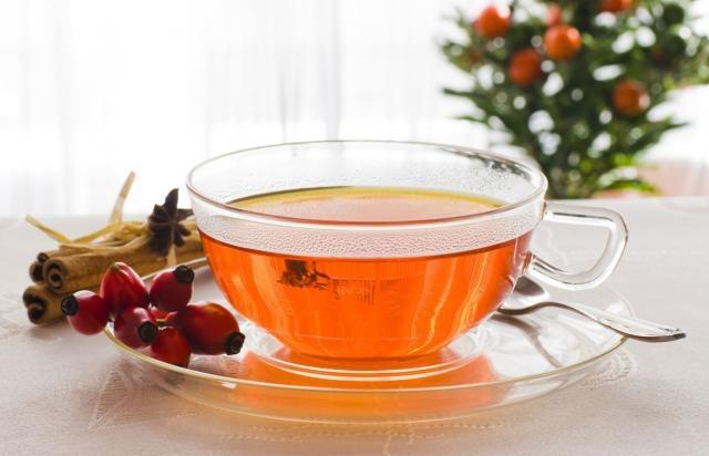 Herbata z dzikiej róży właściwości /© Photogenica