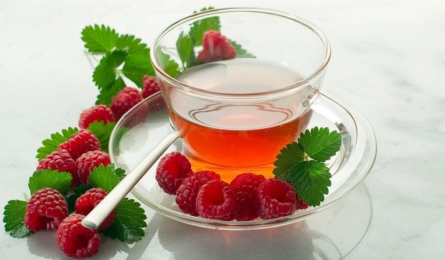 herbata z liści malin /© Photogenica