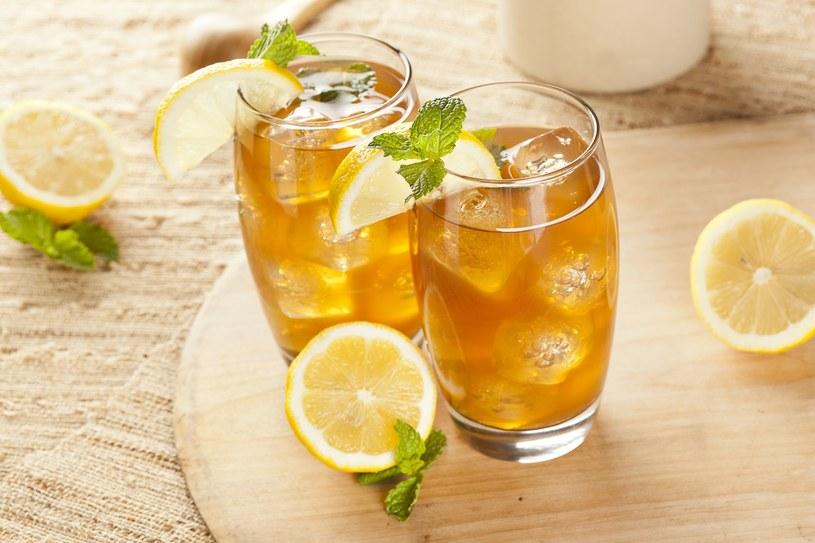 Herbata z miętą /123RF/PICSEL