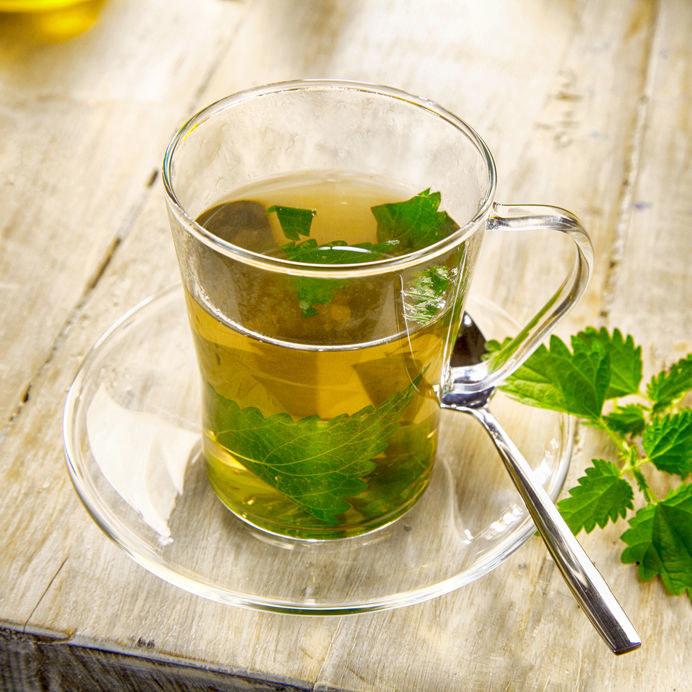Herbata z pokrzywy /©123RF/PICSEL