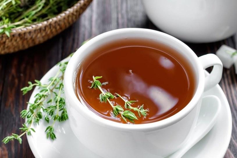 Herbata z tymianku działa kojąco na organizm /123RF/PICSEL