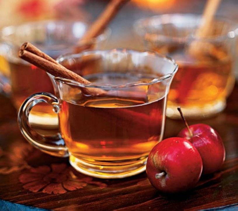herbatka jabłkowa /© Photogenica