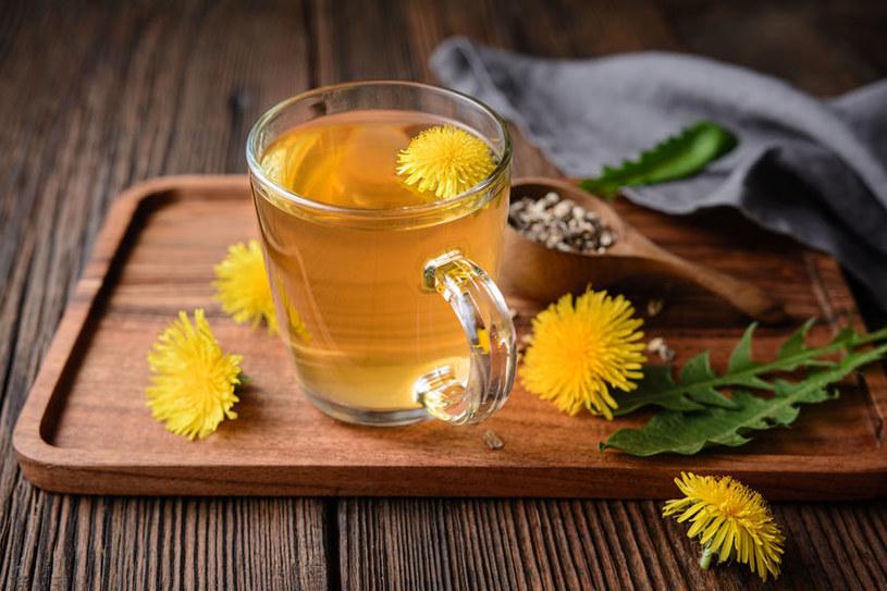 Herbatka z mniszka /©123RF/PICSEL