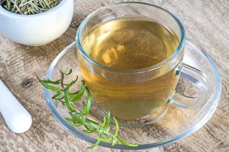 herbatka z rozmarynu /© Photogenica