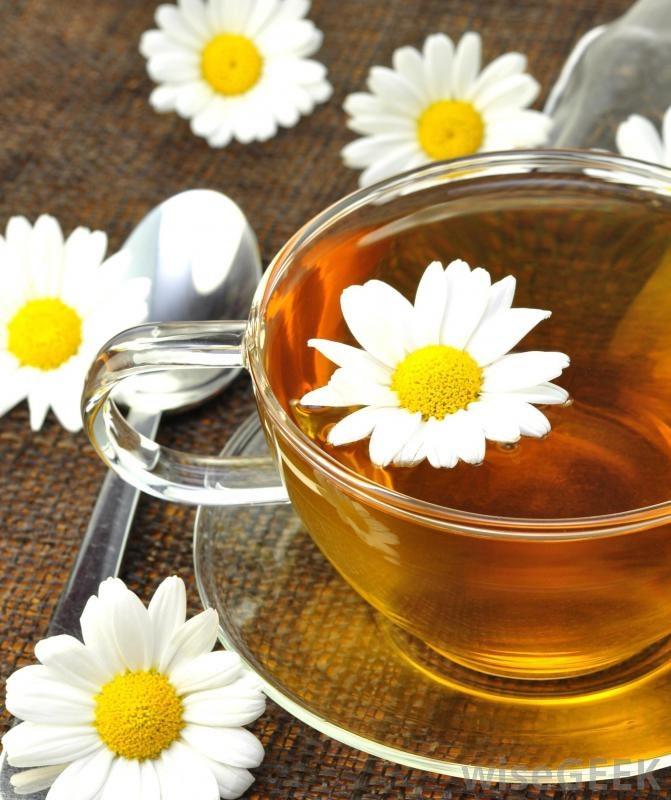 herbatka z rumianku /© Photogenica