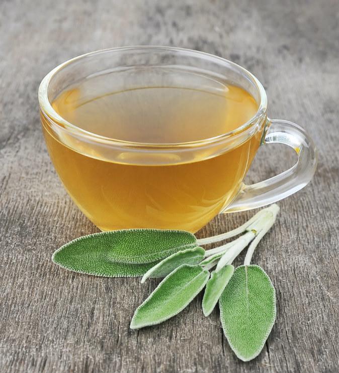 herbatka z szałwi /© Photogenica