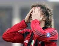 Hernan Crespo łapie się za głowę... AC Milan - FC Bologna 0:1 /AFP