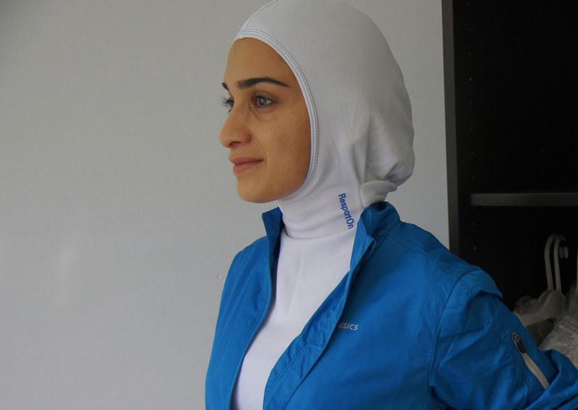 Hidżab w wersji sportowej /AFP