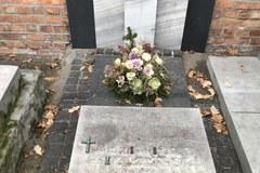 Hieny cmentarne okradają warszawskie Powązki