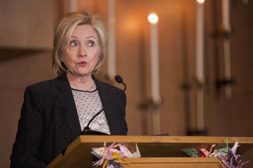 Hillary Clinton ma pewną nominację, ale do prezydentury daleko /AFP