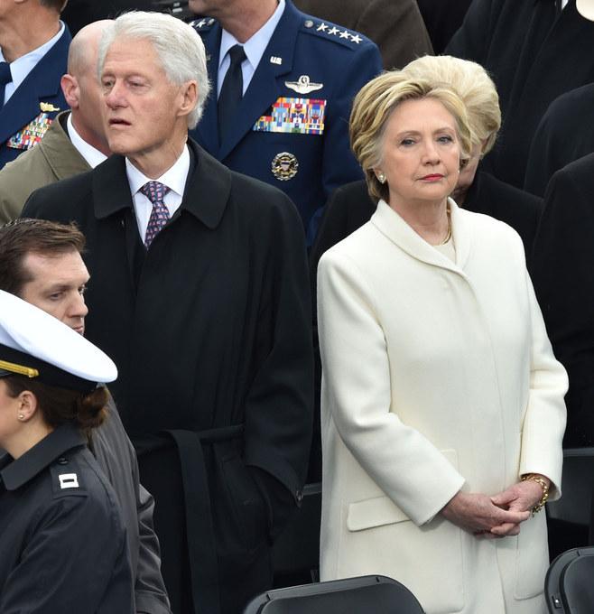 Hillary i Bill Clintonowie /AFP