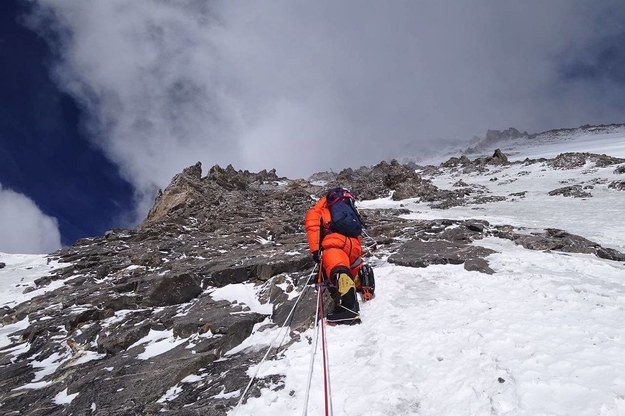 Himalaiści podczas wspinaczki na K2 /Marek Chmielarski/Polski Himalaizm Zimowy 2016-2020 im. Artura Hajzera/Facebook /