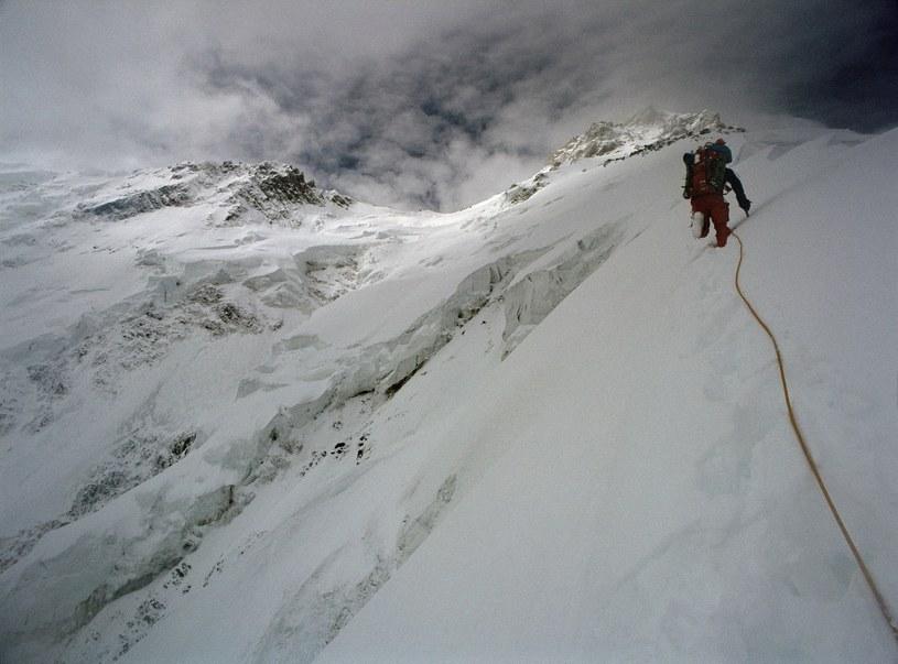 Himalaista wspina się na Nanga Parbat /Ronald Naar/ANP Kina /East News