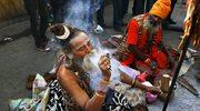 Hindusi obchodzą święto ku czci boga Śiwy [ZDJĘCIA]