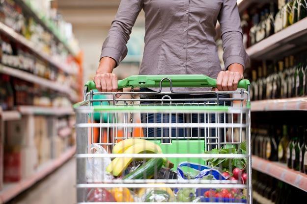 """Hipermarkety promują """"nieświąteczne"""" towary /©123RF/PICSEL"""