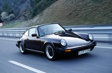 0007QLY1AK1G5CBL-C307 Historia Porsche 911 - szereg technicznych innowacji