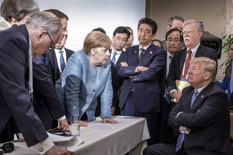 """""""Historyczne zdjęcie"""" ze szczytu G7 /JESCO DENZE /PAP/EPA"""