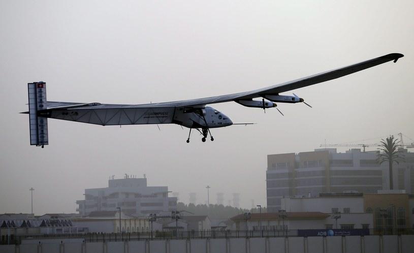 Historyczny lot rozpoczęty. Pierwszy przystanek - Maskat, stolica Omanu /PAP/EPA