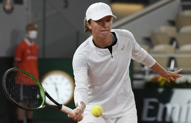 Historyczny mecz! Iga Świątek awansowała do ćwierćfinału French Open
