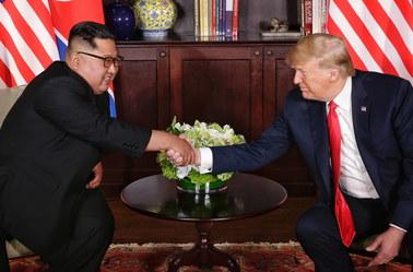 Historyczny szczyt w Singapurze. Donald Trump i Kim Dzong Un podpisali wspólny dokument