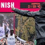 Historyczny wyczyn Kenijczyka. Przebiegł maraton z czasem poniżej dwóch godzin