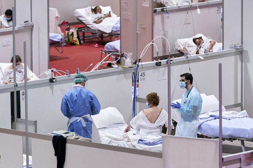 Hiszpania: 517 ofiar śmiertelnych koronawirusa w ciągu ostatniej doby. /A. Ware/NurPhoto /Getty Images