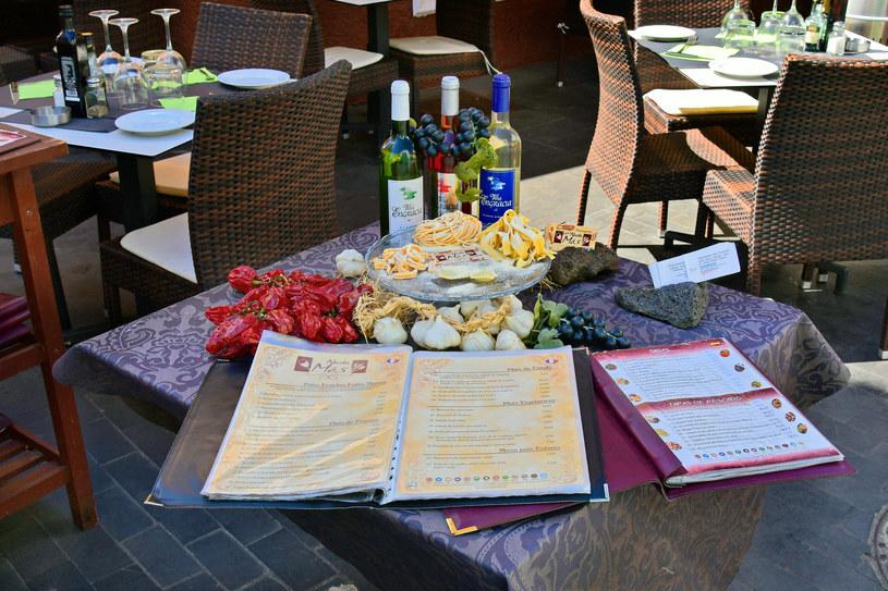 Hiszpania. Dwa regiony żądają paszportów w restauracjach i muzeach /123RF/PICSEL