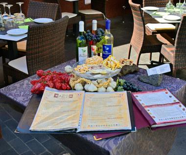Hiszpania. Dwa regiony żądają paszportów w restauracjach i muzeach