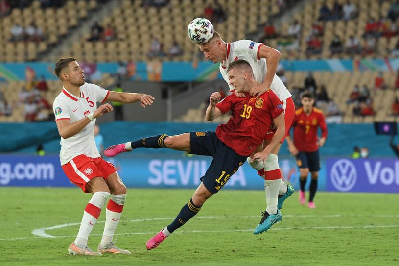 Hiszpania - Polska na Euro 2020. Jan Bednarek i Kamil Glik oraz Dani Olmo /David Ramos/Getty Images /Getty Images