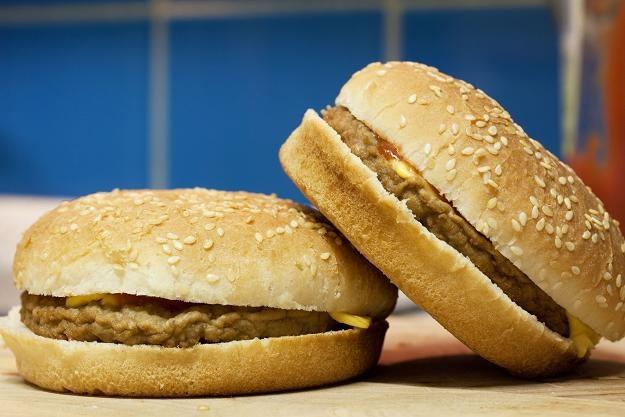 Hiszpania: W hamburgerach wykryto koninę /©123RF/PICSEL