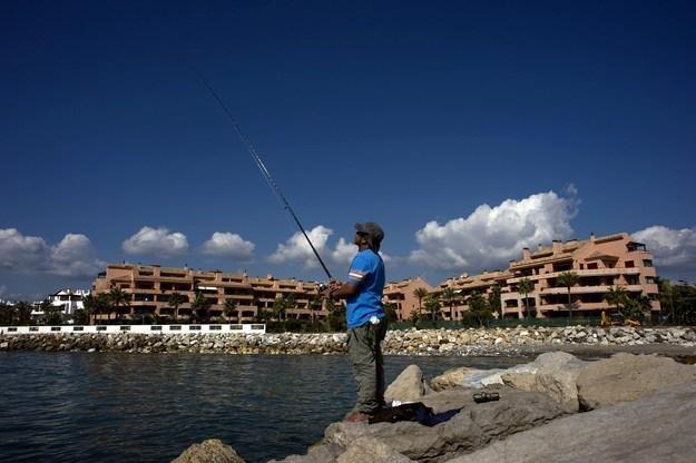 Hiszpania zachęca do nabywania domów, kusząc prawem pobytu /AFP