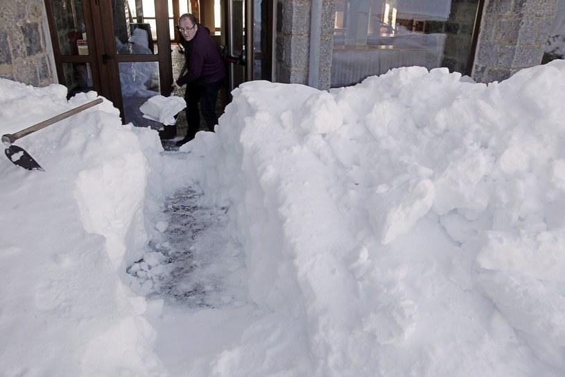 Hiszpania zmaga się z opadami śniegu /PAP/EPA