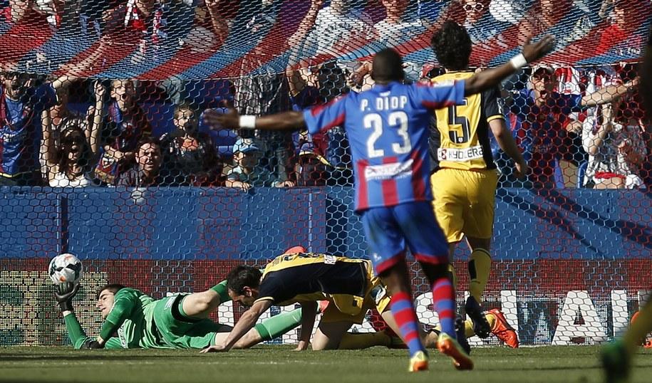 Hiszpania znów na ustach piłkarskich kibiców /Kai Foersterling /PAP/EPA