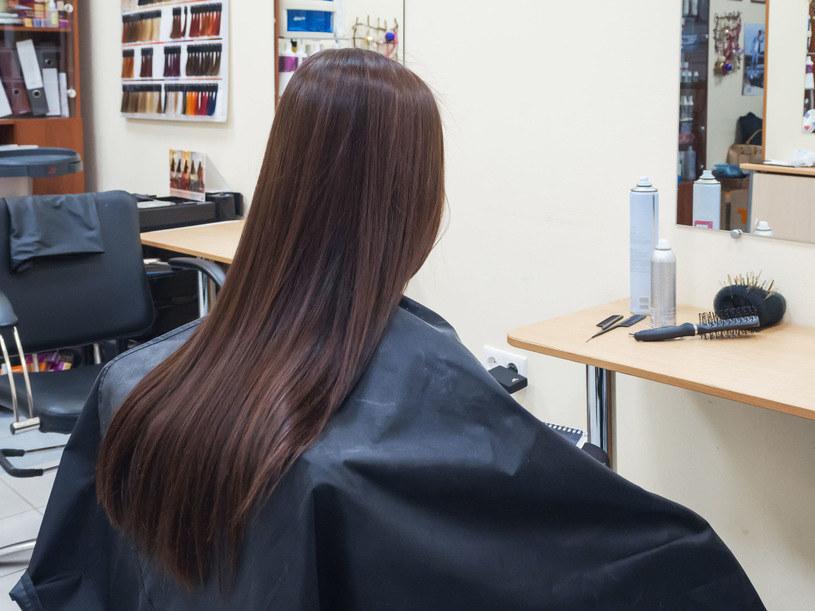 Hiszpanie od dzisiaj mogą iść do fryzjera. /123RF/PICSEL