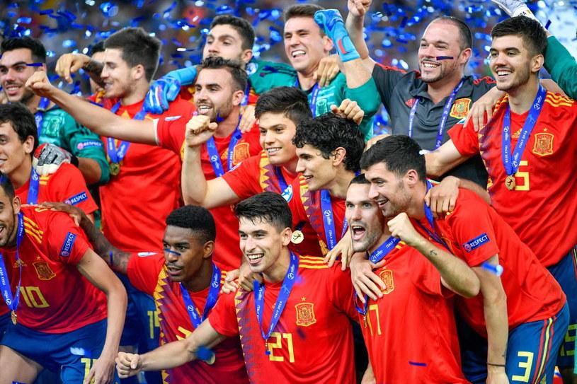 Hiszpanie świętują mistrzostwo Europy /PAP/EPA