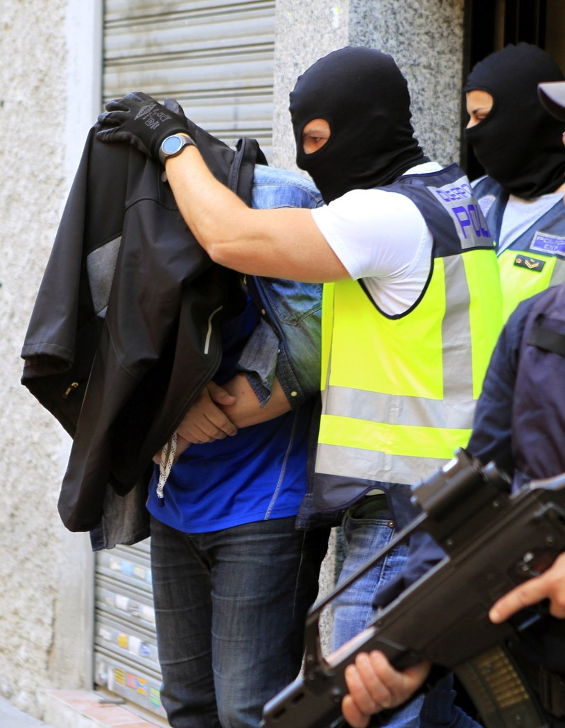 Hiszpańska policja zatrzymała dwóch potencjalnych zamachowców samobójców. /VICTOR LERENA  /PAP/EPA