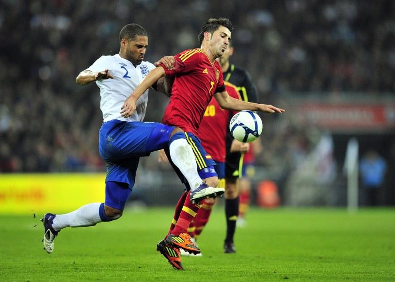 Hiszpański napastnik David Villa (z prawej) /AFP