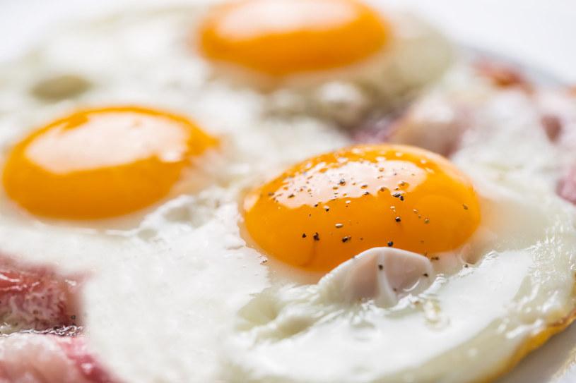 Hiszpańskie jajka sadzone /123RF/PICSEL