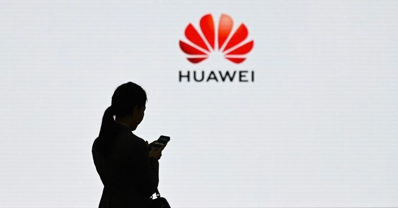 Hiszpańskie Ministerstwo Obrony odbiera Huawei dostęp do wrażliwych danych /AFP