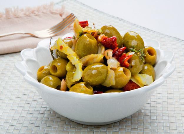Hiszpańskie zielone oliwki z dorszem /materiały prasowe