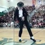 Hit internetu: 17-letni Brett Nichols rusza się jak Michael Jackson!