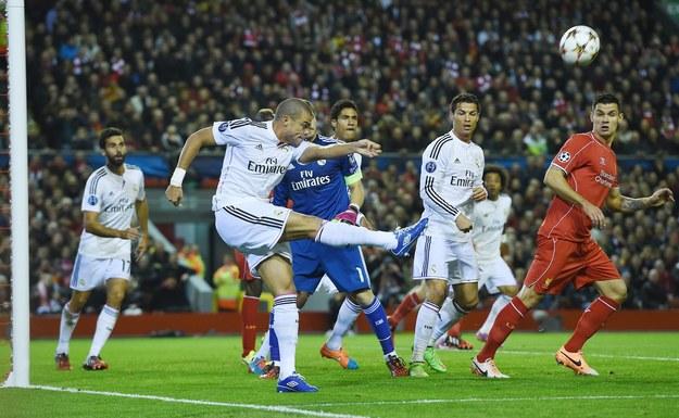Hitem wieczoru nie bez powodu okrzyknięto pojedynek Liverpoolu z Realem Madryt /ANDY RAIN  (PAP/EPA) /PAP/EPA