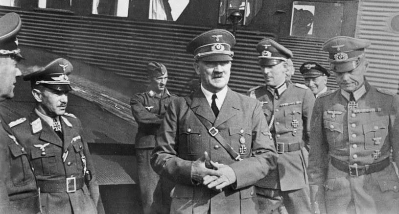 Hitler do tego stopnia uwielbiał jajka, że jadł je nawet na pokładzie samolotu /CC-BY-SA 3.0 /domena publiczna