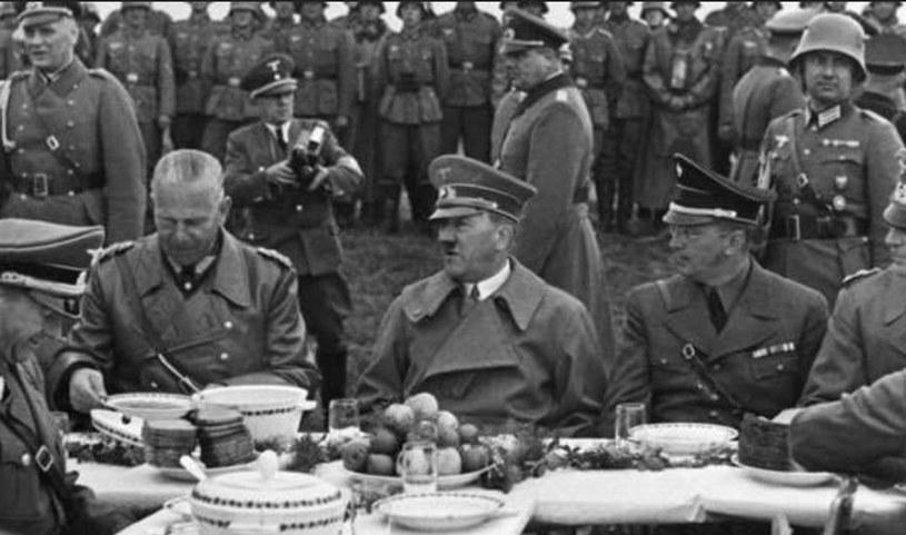 Hitler nie wyeliminował całkowicie mięsa ze swojej diety /domena publiczna
