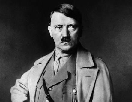 Hitler żartował m.in. z ofiar nazistowskich obozów koncentracyjnych /AFP
