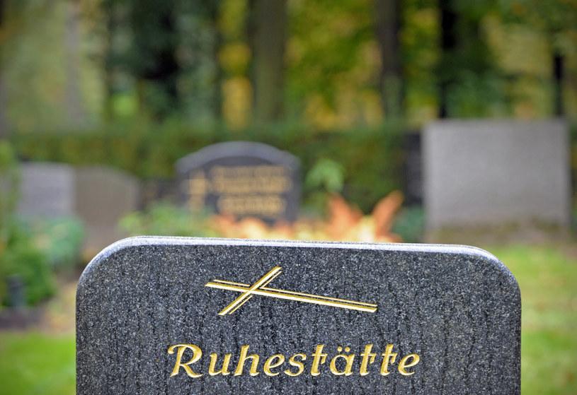 Hitlerowski zbrodniarz pochowany na więziennym cmentarzu /AFP